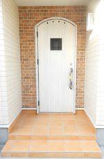 【玄関】ヨーロピアン調のかわいらしい玄関