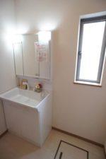 【洗面所】収納たっぷり洗面化粧台