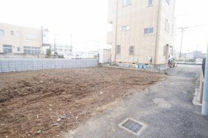 ①区画 [北側] 建物を建築の際、セットバックが有ります。セットバック後:100.18㎡(30.30坪)