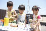 【屋上庭園の楽しみ方①】屋上での朝食は最高! 子ども達もご機嫌。場所が違うとごはんがすすむかも・・・(屋上)