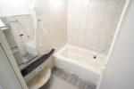 広々とした浴室(バス)