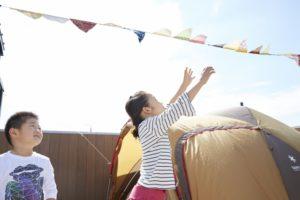 【屋上庭園の楽しみ方】かけがえのない家族との大切な時間。 自宅で手軽に、親子でアウトドア体験をしてみてはいかがでしょうか?(屋上)