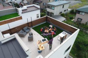 【屋上庭園のある家・イメージ写真】(屋上)